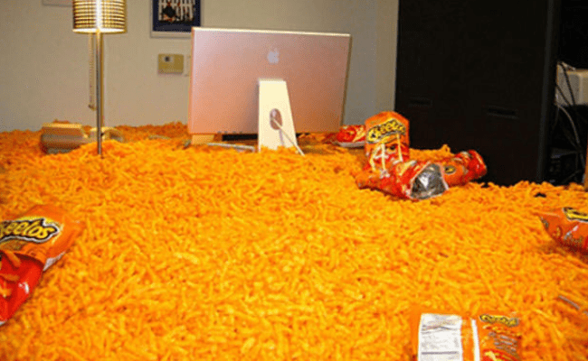 10-ideas-for-office-pranks3