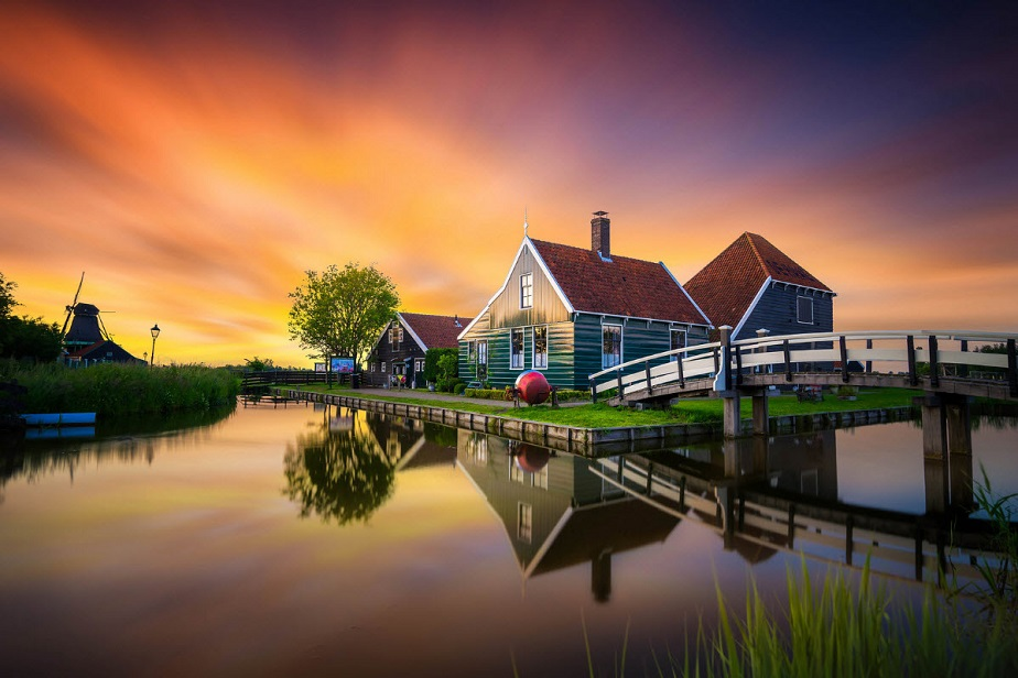 Typical Dutch!, por Albert Dros